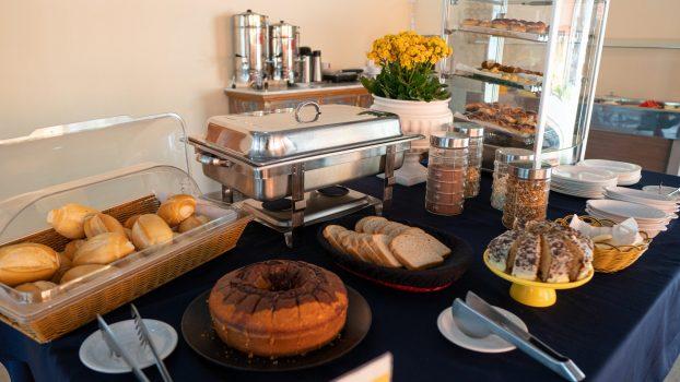 Café da Manhã Completo em Ilhabela